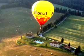 air balloon tuscany