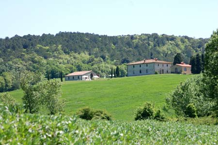 panoramic pictur of the tuscan villa
