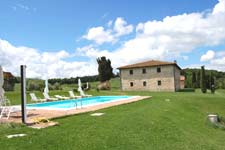 rent in jult tuscan villa with swimming pool