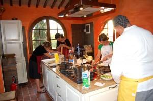 corso di cucina per addio al nubilato in villa toscana