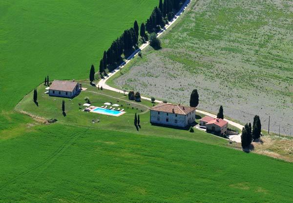 Fotografie aerea panoramica casale di san Gimignano