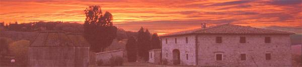 fotografia del casale in toscana al tramonto