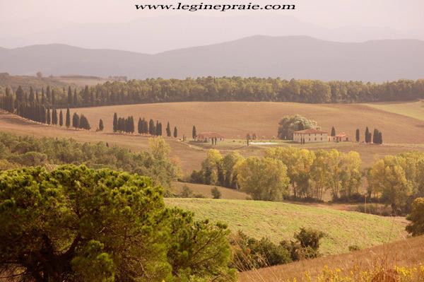fotografia della villa toscana in autunno
