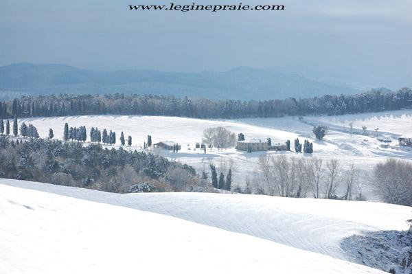 fotografia della villa toscana in inverno