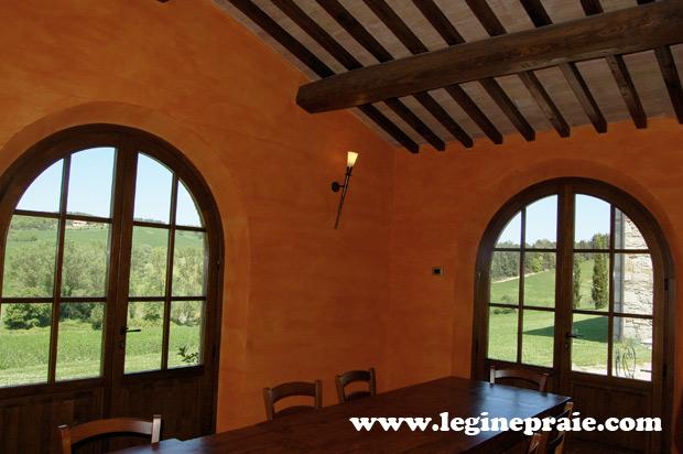 vetrate della villa in Toscana