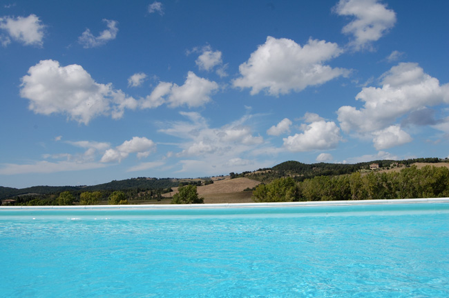 villa con piscina panoramica