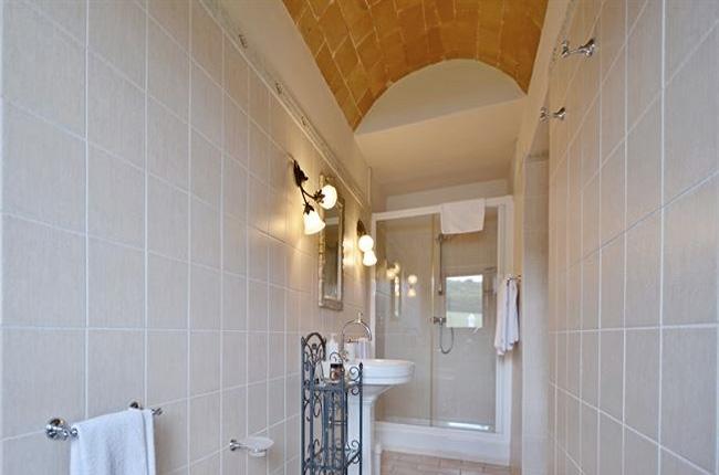 grande doccia villa toscana