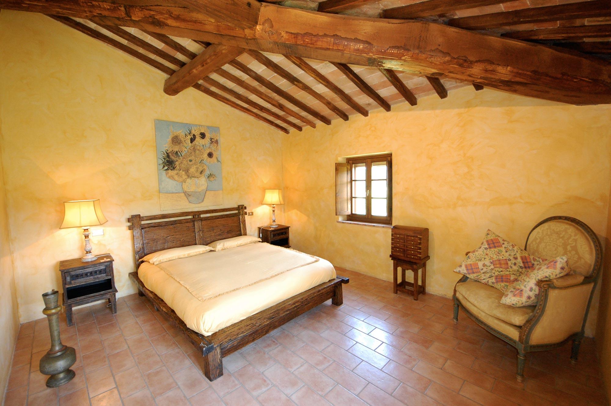 Foto villa toscana appartamento girasole villa toscana blog for Piccolo camino a gas per camera da letto