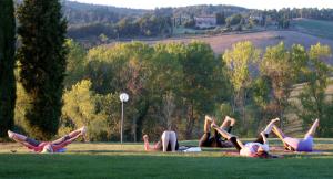 lezzione pomeridiana di yoga in toscana