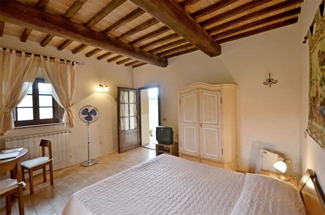 Villa toscana for Interni di casali ristrutturati