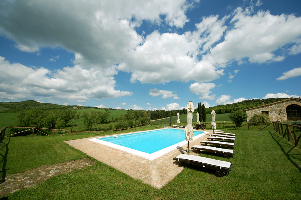 piscina-della-villa-vista-nord