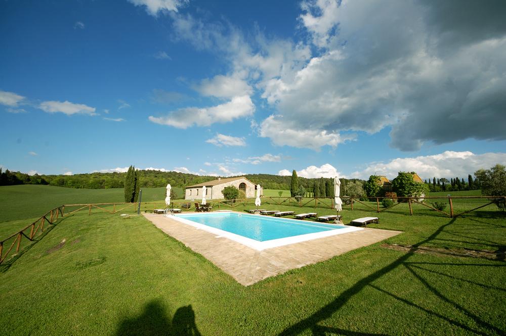 villa-con-piscina