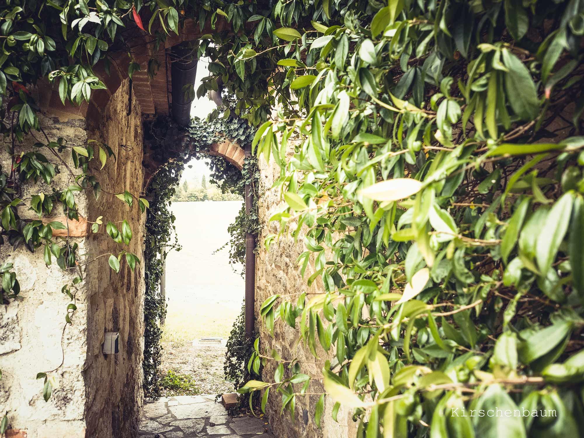Particolare del casale in Toscana