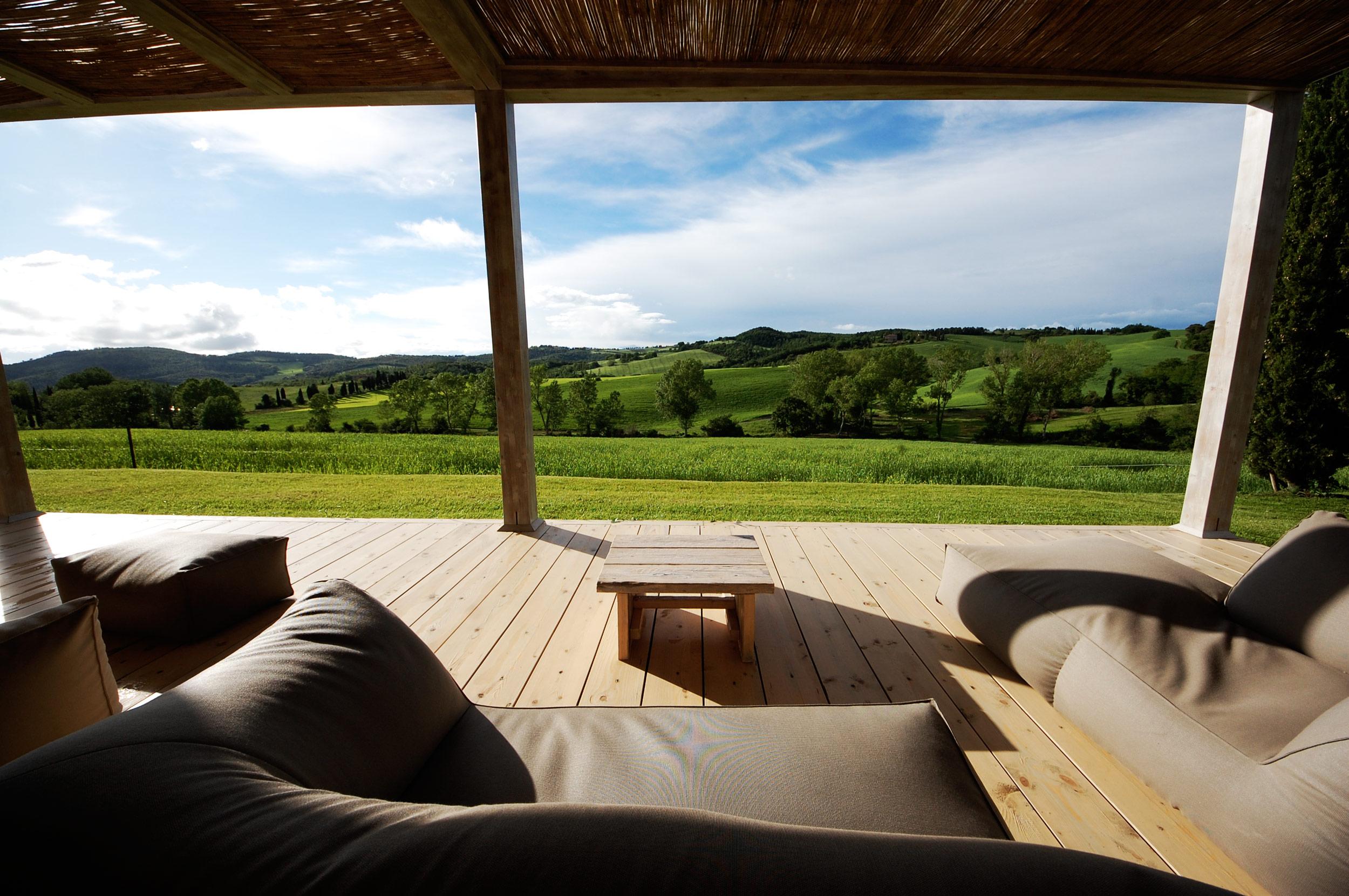 DSalotto panoramico con vista sulla Toscana