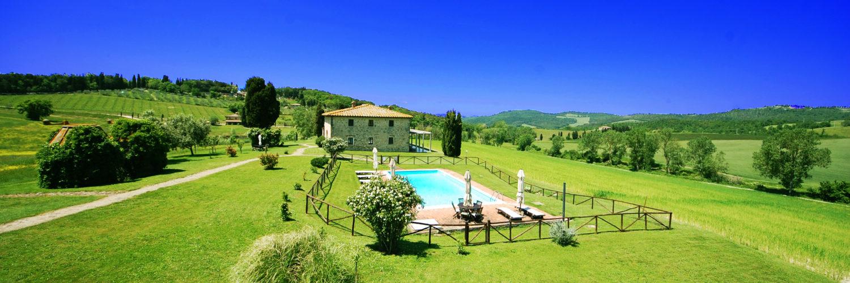 villa in toscana con piscina