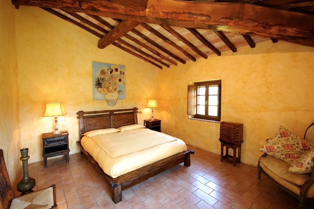 villa in toscana camera da letto rustica