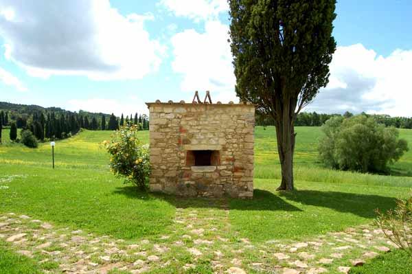 forno a legna villa toscana