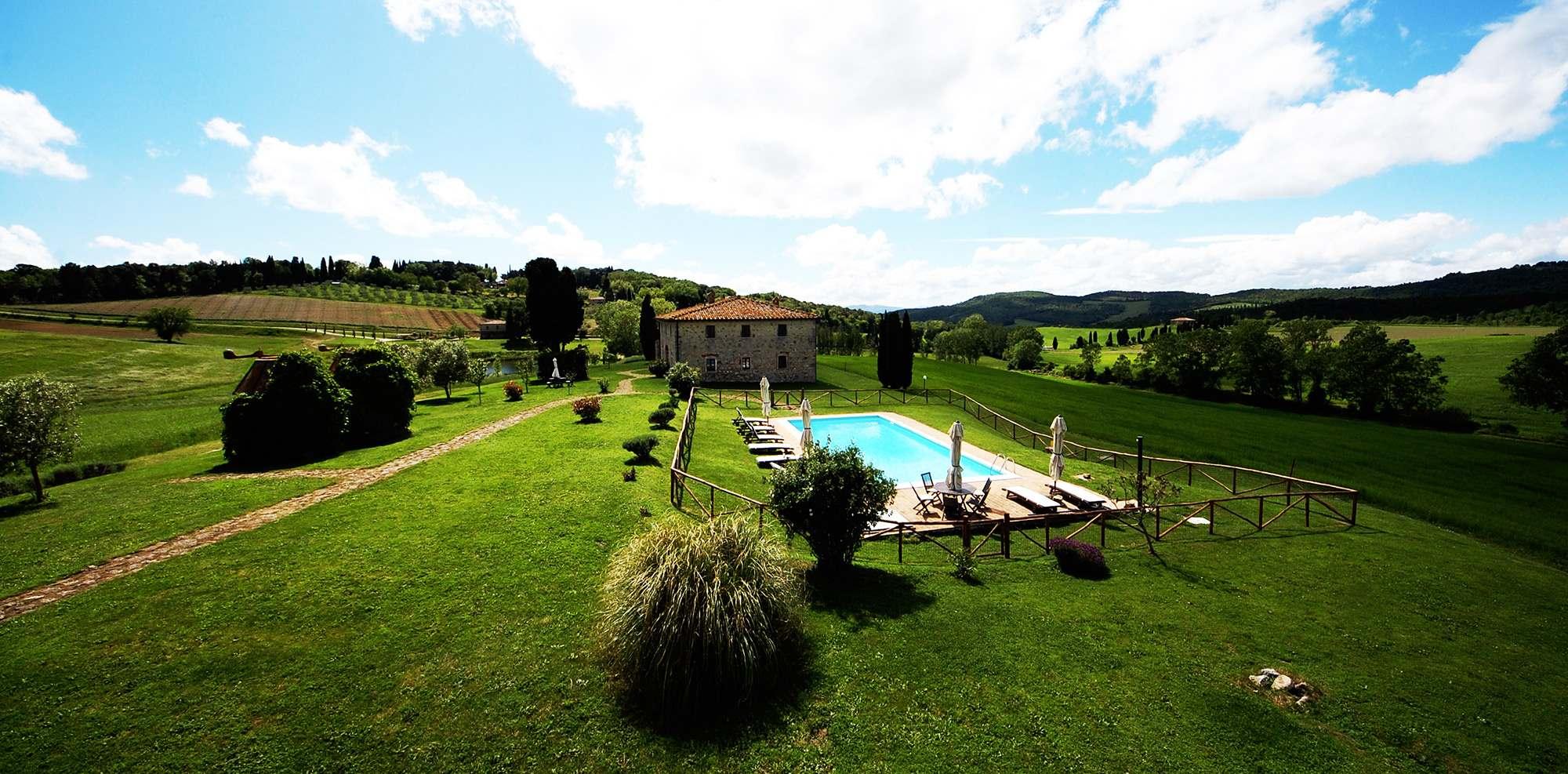 villa toscana piscina