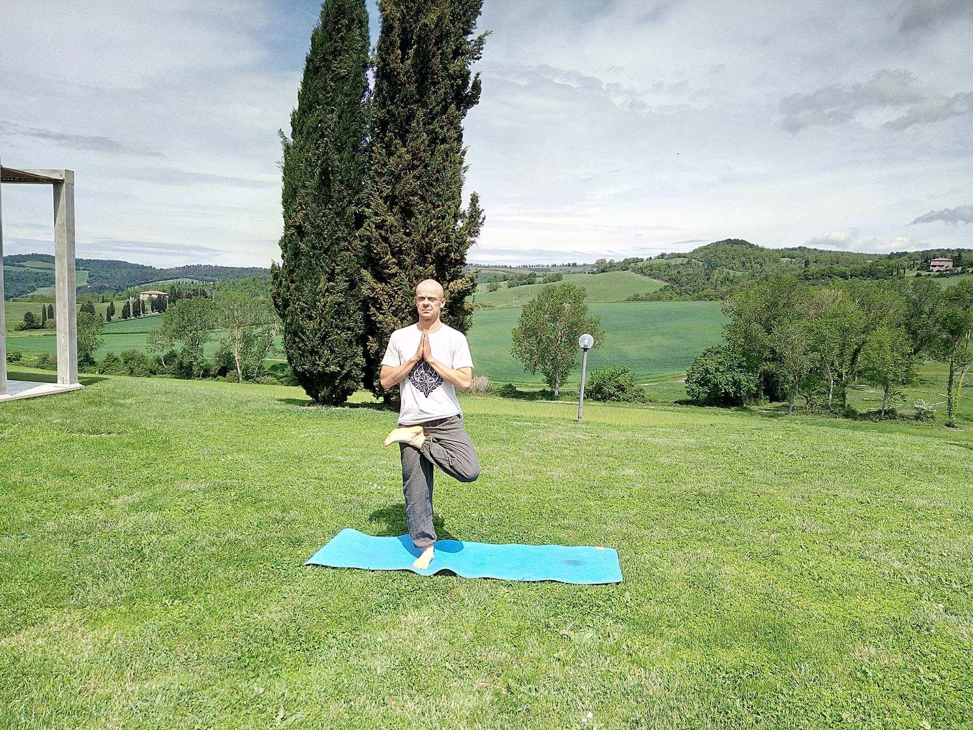 Lezioni di yoga nella villa Toscana