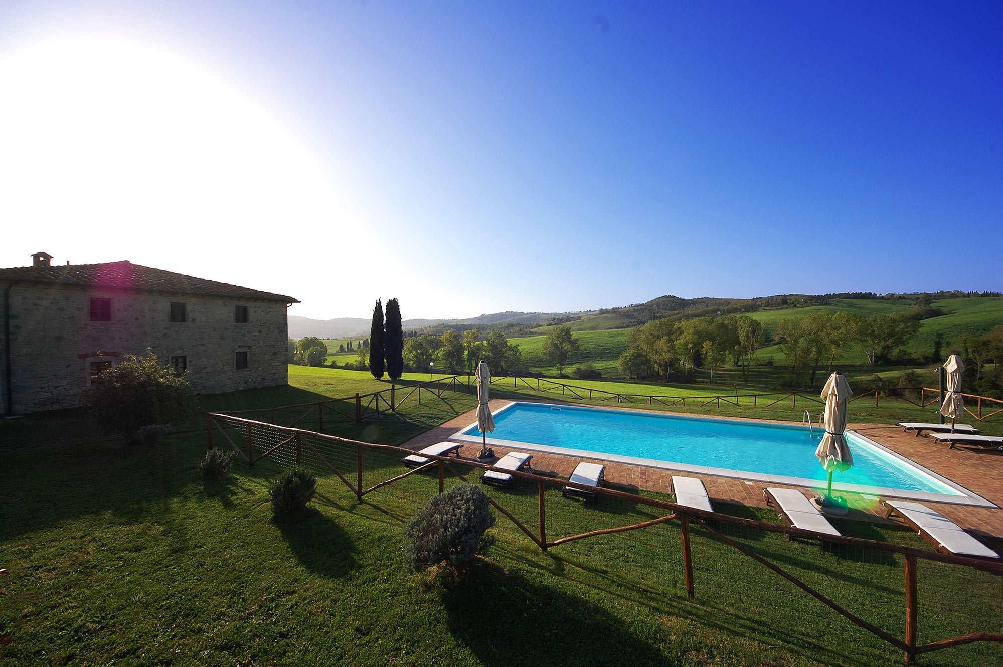 affitto villa toscana piscina 8 persone